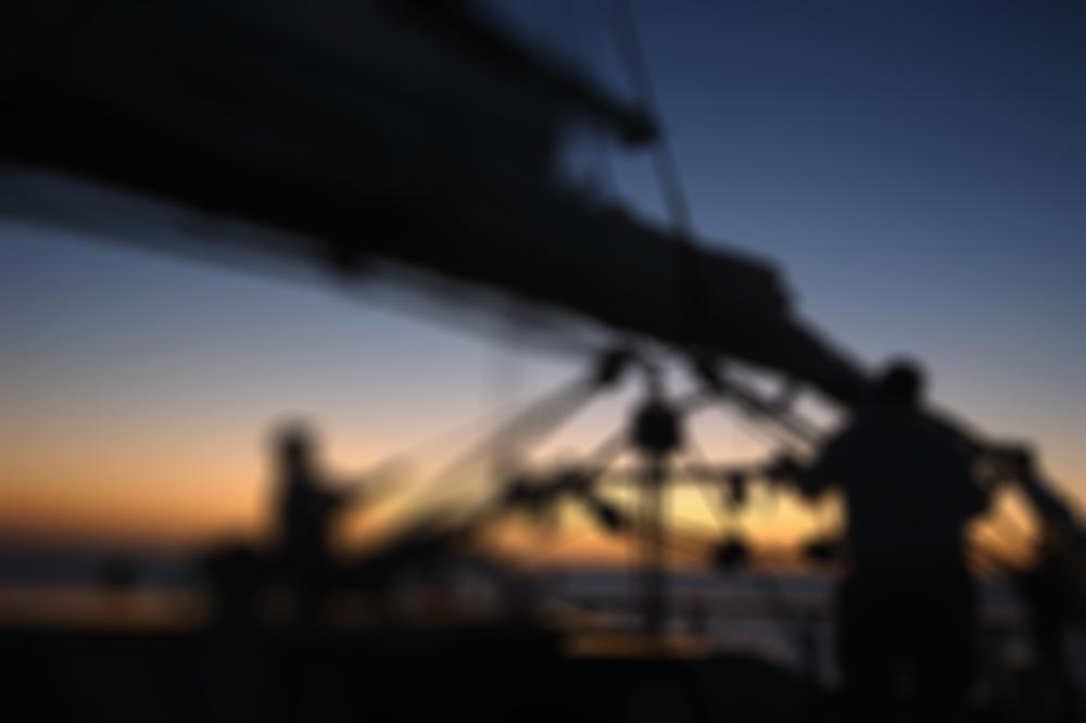 InnJoytravel-sailing02blur